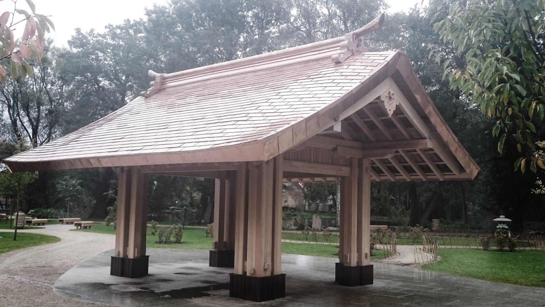 dachówka miedziana na altanie japońskiej
